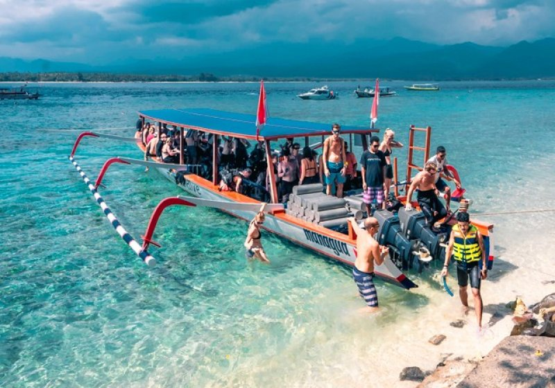 1. Gili Air dive boat