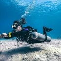 6. Diving in the Gilis with sidemount