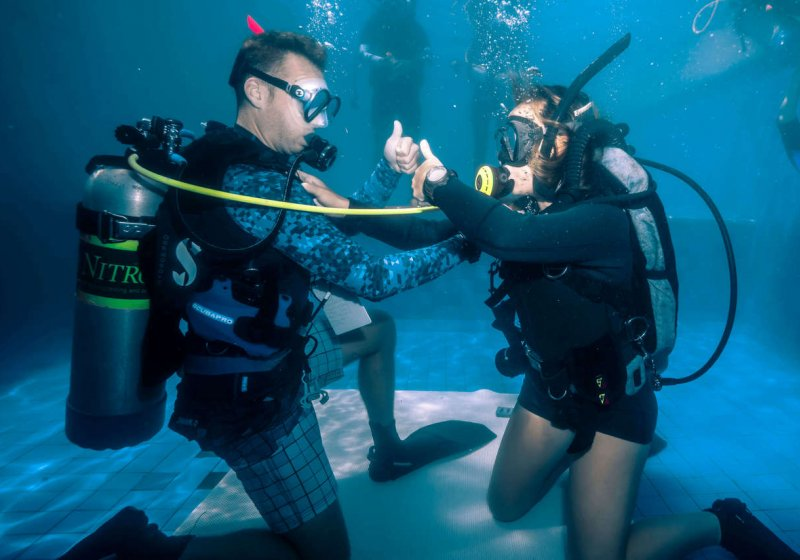 1. Poolsessions sidemount course