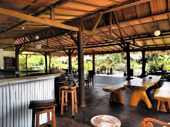 beach restaurant Gili Meno
