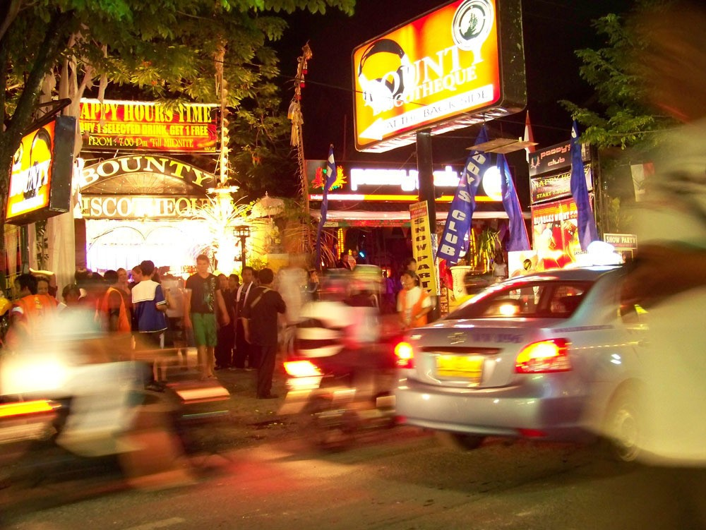 Bali nightlife travel tips Kuta