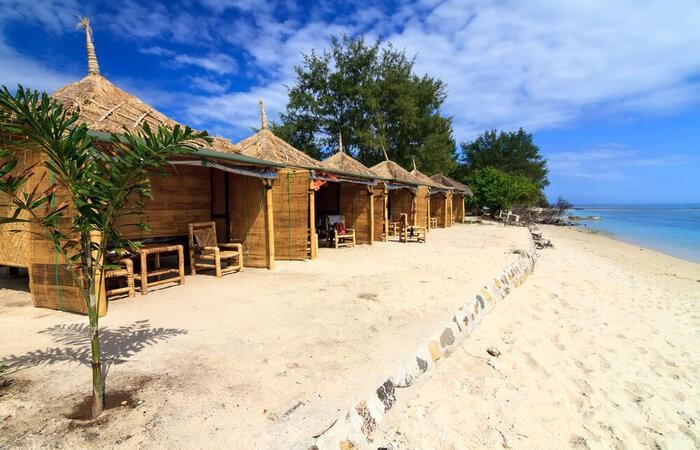 gili meno beach accommodation
