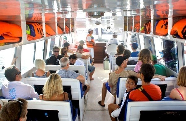 Blue Water Expres fast boat to Gili interior