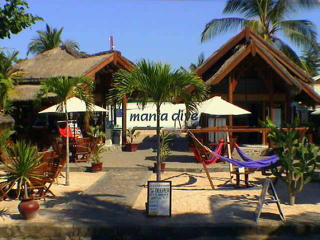 Gili islands travel tips about accommodations and restaurants - Manta dive gili ...