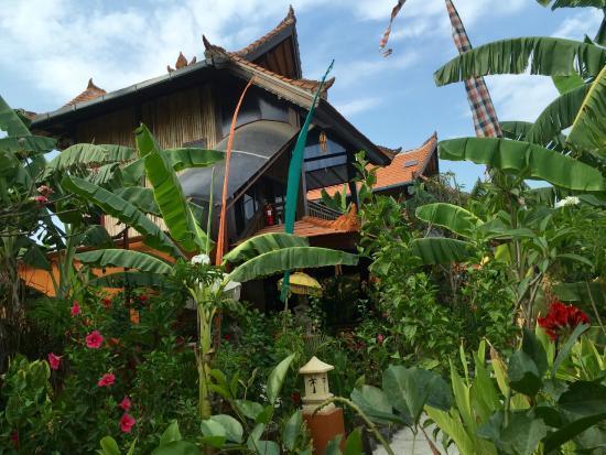 beach little Bali restaurant Gili Meno