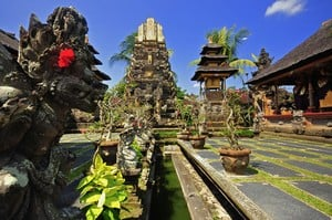 Ubud temple Bali travel tips