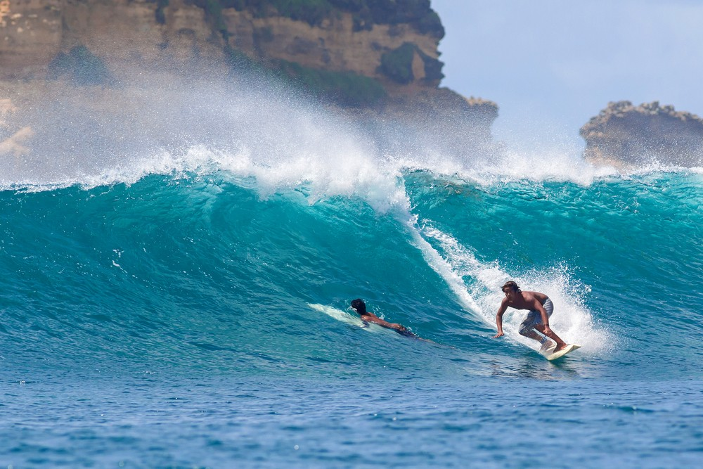 Surfing Lombok wave